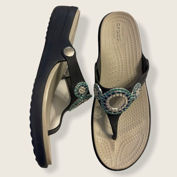 Crocs Dual Comfort Sandals women's size 9